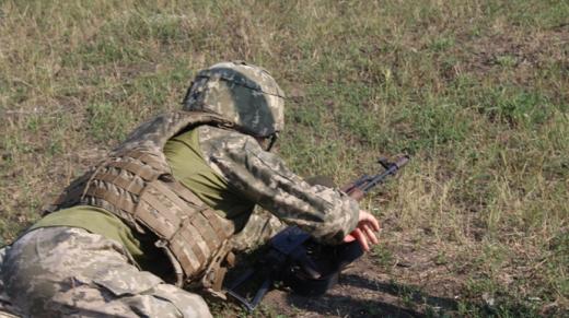 Бойовики важко поранили українського військового в зоні ООС