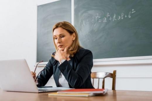 """На новій програмі """"Ноутбук – кожному вчителю"""" хотіли вкрасти 300 млн - СБУ"""